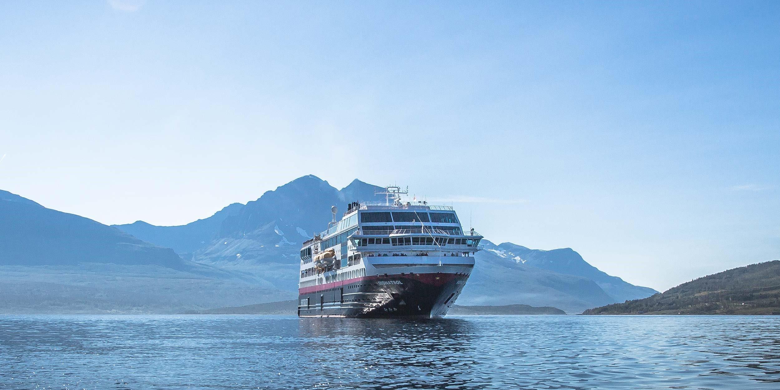 Cruise ship Midnatsol - Hurtigruten