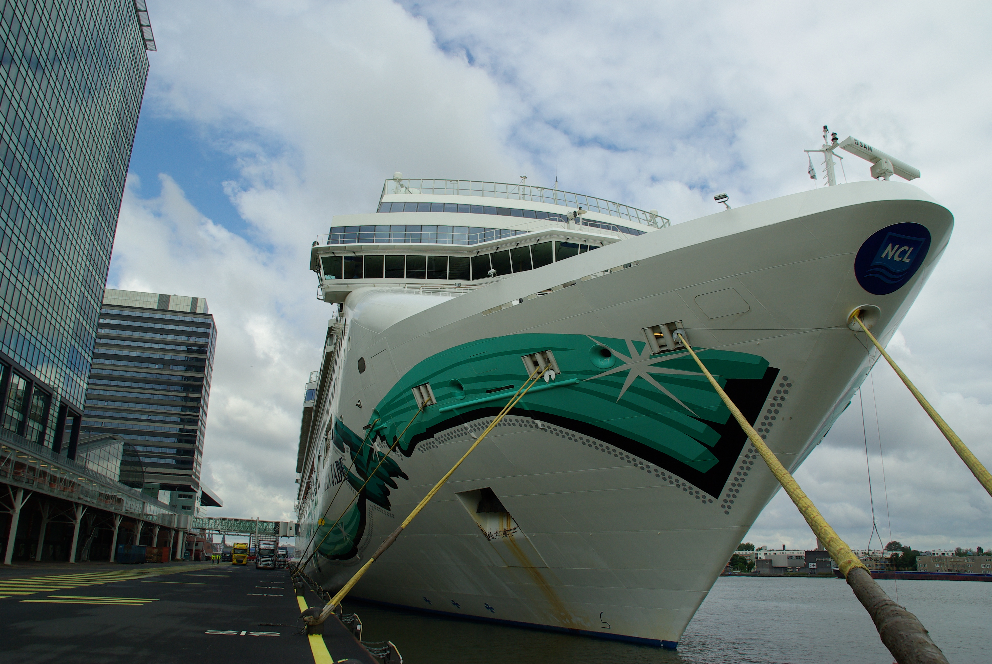 Cruise ship Norwegian Jade - Norwegian Cruise Line
