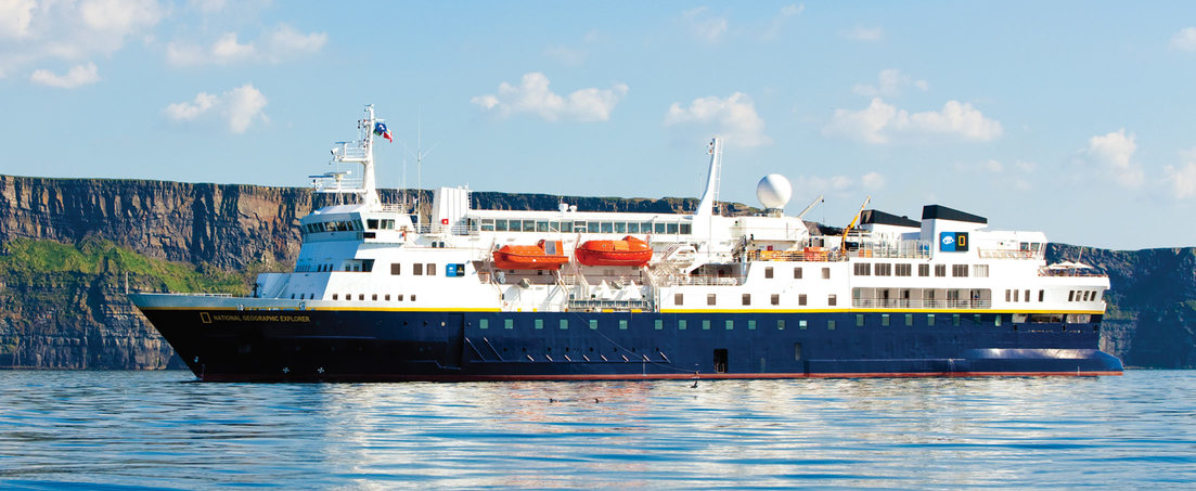 Cruise ship National Geographic Explorer - Lindblad Expeditions
